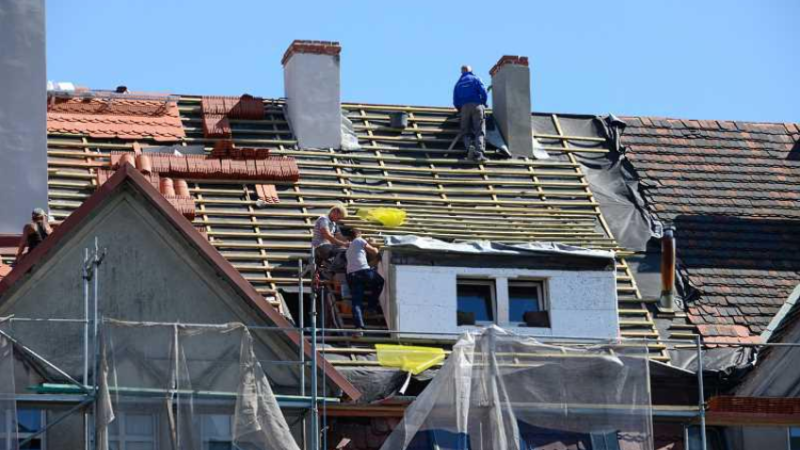 RENOVATION OF ROOF – RENEWAL OF COVER